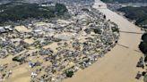 九州梅雨鋒面北移 熊本30區聯外交通中斷、20死14人無呼吸心跳