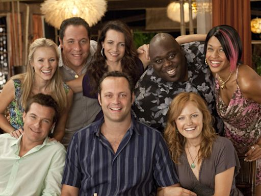 Faizon Love sues Universal Pictures for 'racially segregating' him from Couples Retreat poster
