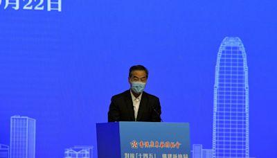 香港產業單一年輕人不能學以致用 梁振英籲青年融入國家發展大局