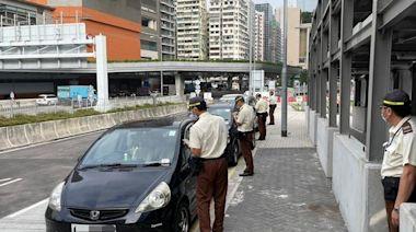 油尖警區打擊黑點違泊行動 發逾千告票拖6車