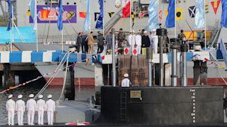 Iran launches new missile submarine