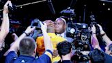 Kobe's 60-point farewell: From Magic Johnson to Gary Vitti