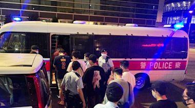 警搗牛頭角觀塘2無牌吧 共拘18男女