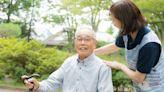 照顧長輩力不從心?銀行化身社區長照據點,安養資源、退休信託理財一次到位-風傳媒
