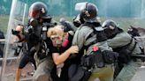 港警使用武力是為了控制場面,還是發洩情緒?