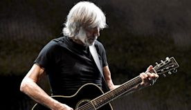 "Roger Waters' Shares Performance Of ""Mother"" With His Band From Isolation 