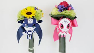 Tokyo 2020 medallists' bouquets sourced from earthquake-affected areas - Olympic News