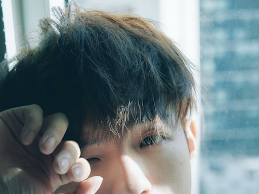 MIRROR Ian陳卓賢由排球健將轉型情歌王子丨最愛以針織衫造型展現暖男魅力