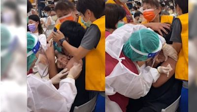 男學生打疫苗慘烈尖叫影片爆紅 24小時點閱破百萬人次
