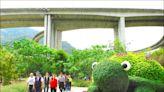 橋聳雲天綠雕公園 議員批遲未完工