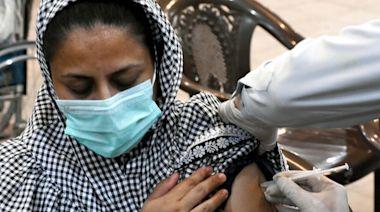 亞洲1國催打疫苗出狠招 不接種手機就斷訊!公務員7月起停發薪水