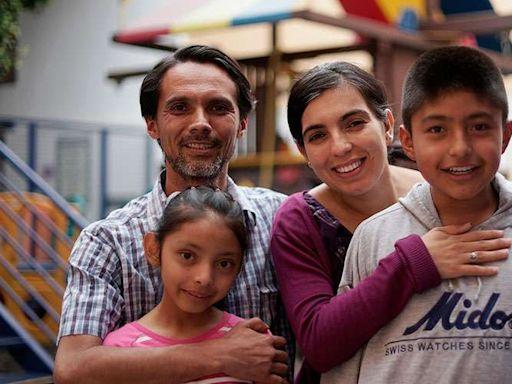 Obispo da 4 consejos para fortalecer tu hogar en el Año de la Familia