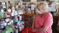 U.S. retail sales unexpectedly stall