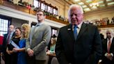 Texas Agriculture Commissioner Sid Miller won't challenge Greg Abbott for governor