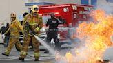 【疫情10.10】871名消防員擬起訴洛杉磯市疫苗令