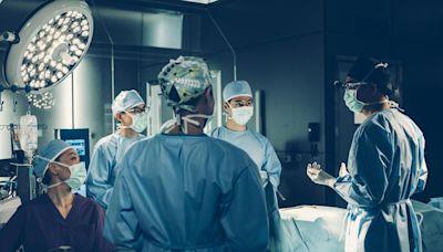 【星空下的仁醫劇透】第6-10集劇情預告!馬國明成立手術精英隊團結四人 揭周家怡丈夫是植物人 | 港生活 - 尋找香港好去處