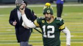 Aaron Rodgers returns to Packers for possible farewell season, could be potential trade target for Giants