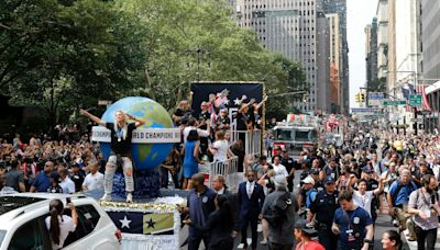 De Blasio: NYC to hold parade for heroes of COVID pandemic on July 7