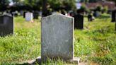 傳說住進這墓園的都會「屍變」 只有《守墓人》才知道的秘密…