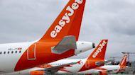 Easyjet vola basso, ridimensionati i piani per l'inizio della stagione estiva