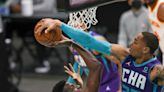 Hornets come back from 17 down but can't hold on in 4th quarter, lose to Hawks