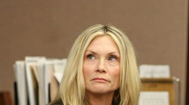 'Melrose Place' actress Amy Locane resentenced to 8 years in prison for fatal DWI crash