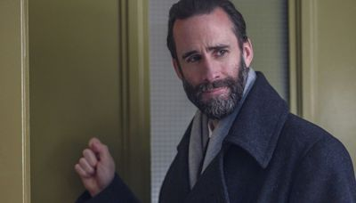 Joseph Fiennes on Why He Loved the 'Handmaid's Tale' Season 4 Finale: 'I Was Cheering'