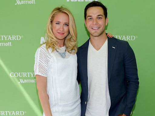 Inside Anna Camp and Skylar Astin's Love Story — and All the Signs They'd Split