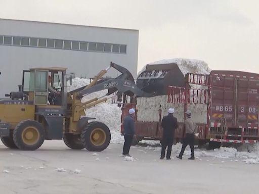 華爾街日報:美企內地供應商相繼辭退新疆工人