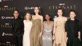 裘莉帶5兒女、莎瑪海耶克「深V爆乳」 亮相《永恆族》首映