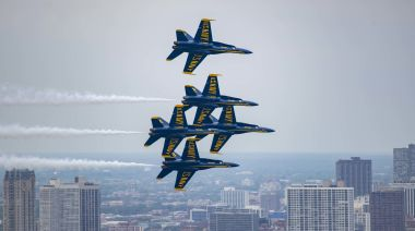 Blue Angels Chicago flyover: Flight path, map, times as US Navy salutes health care workers fighting coronavirus