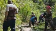 高雄山區聯外道毀 村民徒手開挖自救