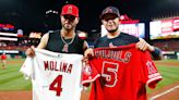 Albert Pujols congratulates Yadier Molina on breaking the record he once held (Photo)