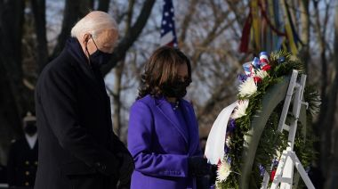 Biden and Harris pay tribute to fallen troops at Arlington along with ex-presidents