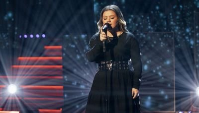 Kelly Clarkson's cover of 'Breathe Me' will have you in your feelings