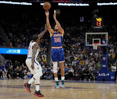 NBA/柯瑞狂飆45分10籃板 勇士主場險勝快艇