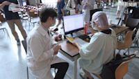 醫護首批混打 3.3萬劑莫德納給醫護