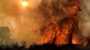 2 fires burning in Southern California as red flag warnings stretch throughout West Coast