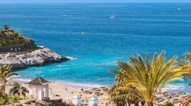 Holiday bookings surge as four new destinations get travel corridors