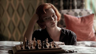 'The Queen's Gambit': A Female Bobby Fischer Keeps Her Challengers in Check