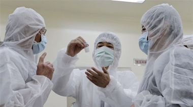 國產高端逼進「最強疫苗」 專家估:保護力可望達9成!