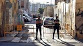 Desalojan a tres familias de un edificio de la calle Manuel Arnau