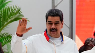 Venezuela's Maduro tries to seize control of legislature