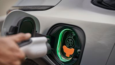 Which is more expensive: Charging an electric vehicle or fueling a car with gas?