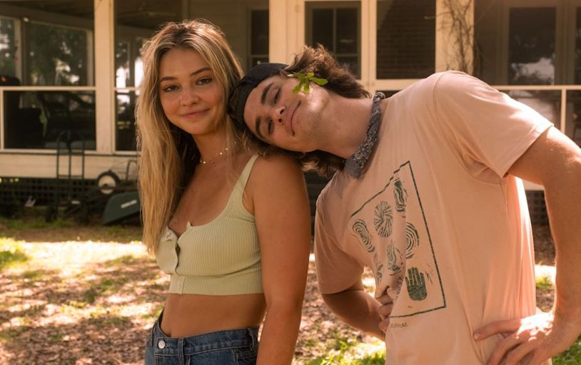 Outer Banks' Madelyn Cline Just Subtly Hinted at Whether Those Chase Stokes Breakup Rumors Are True