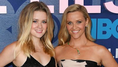 Reese Witherspoon Reacts to Daughter Ava Phillippe's Rare Photo With Her Boyfriend