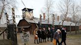 【圖輯】百餘名倖存者重返二戰傷心地 紀念奧斯威辛集中營解放75週年