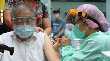 陳時中宣布第二批疫苗分配:75歲↑配比升至53%「熱區加重配發」