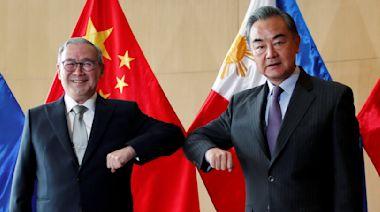 晚報:菲律賓外長昨以粗言要求中國滾出南沙群島,今稱只對王毅感抱歉|端傳媒 Initium Media