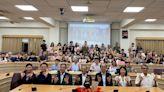 南華大學校內及線上直播 喜迎22國境外新生